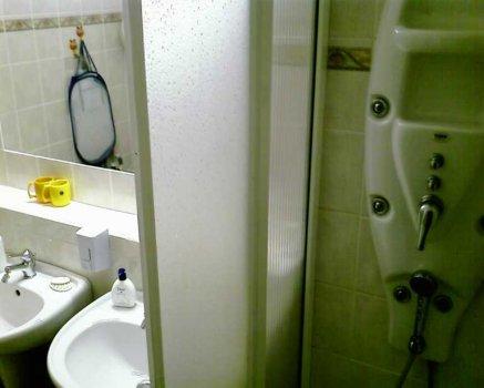 Přízemí-koupelna-01